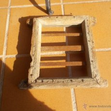 Antigüedades: PEQUEÑA REJA CON SU MARCO. Lote 54202722
