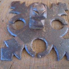 Antigüedades: CLAVO ANTIGUO DE HIERRO FORJADO FORJA PRECIOSO MUY GRANDE.. Lote 54209471