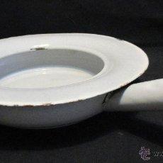Antigüedades: ORINAL DE MUJER EN HOSPITALES, ORINAL DE HIERRO ESMALTADO, MUY ANTIGUO. Lote 54231254