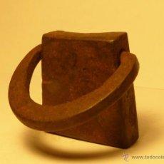 Antigüedades: PESA CATALANA MUY ANTIGUA - PESO 160 GR. PESAS. Lote 54298758