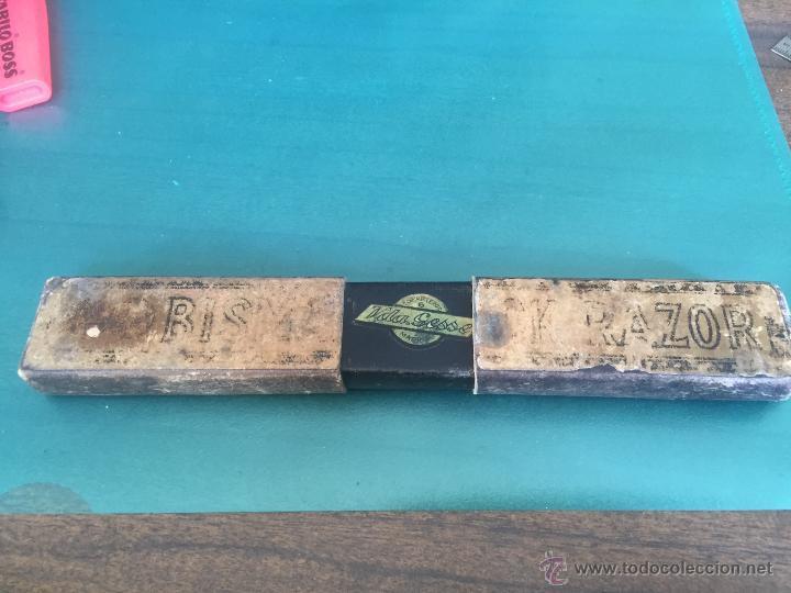 Antigüedades: Navaja de afeitar MONSERRAT VER SELLO Y AL OTRO LADO RESELLADA CON PRODUCTOS FONTORDERA - Foto 12 - 54513392