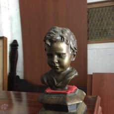 Antigüedades: BUSTO DE BRONCE CON PEANA CON CARA DE NIÑO DEL ARTISTA V. CINQUE. Lote 54531857