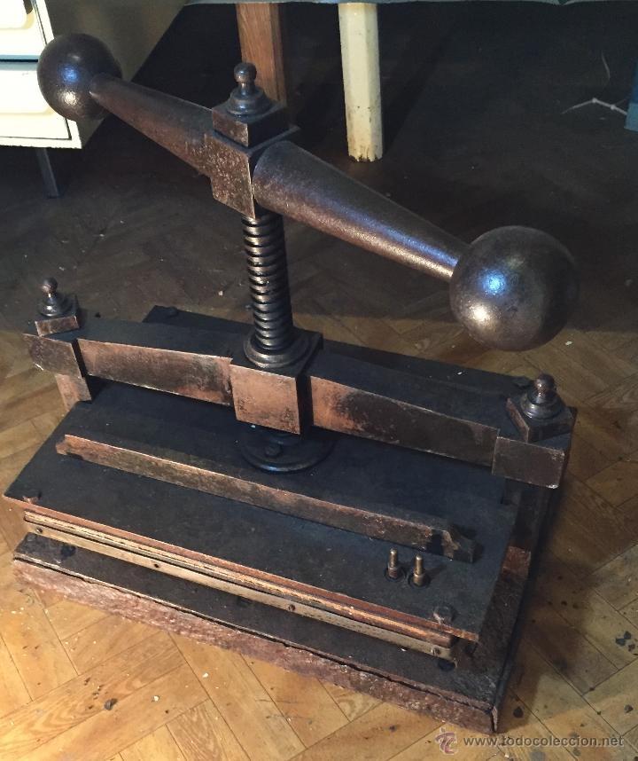 Antigüedades: Antigua prensa para libros gran tamaño - Foto 7 - 54604115