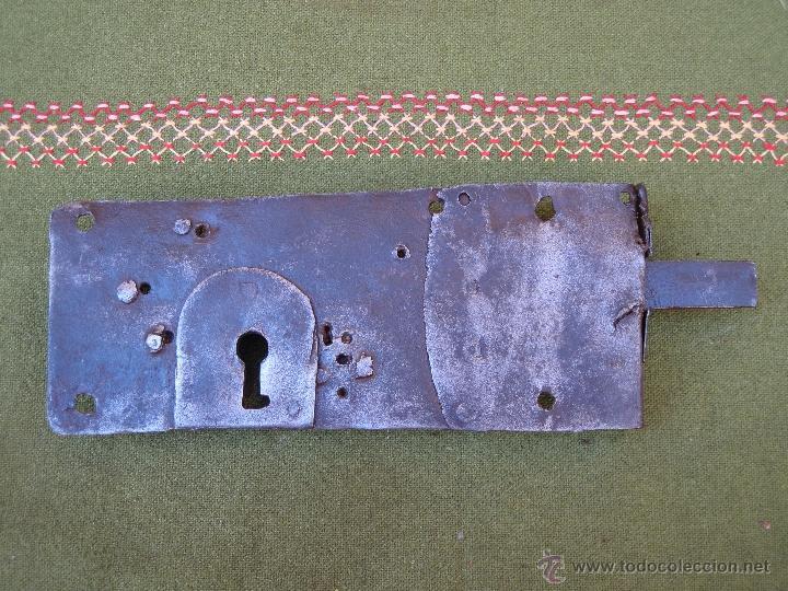 Antigüedades: CERRADURA ANTIGUA EN HIERRO FORJADO - SIGLO XVIII - XIX. - Foto 2 - 54641989