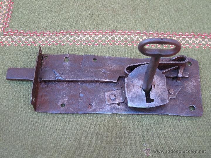 Antigüedades: CERRADURA ANTIGUA EN HIERRO FORJADO - SIGLO XVIII - XIX. - Foto 3 - 54641989