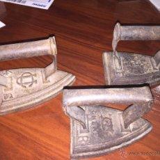 Antigüedades: LOTE 3 PLANCHAS ANTIGUAS DE HIERRO. Lote 54648658