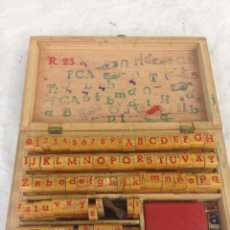 Antigüedades: IMPRENTA MADERA ABECEDARIO,MAYUSCULAS,MINUSCULAS, NUMEROS Y SIGNOS. Lote 54684518