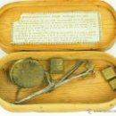 Antigüedades: BALANZA QUILATERA. BRONCE. ESTUCHE DE MADERA. SIGLO XIX.. Lote 47165720