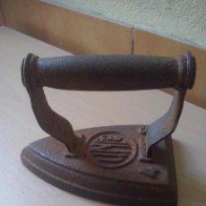 Antigüedades: ANTIGUA Y PEQUEÑA PLANCHA DE HIERRO MARCA LINCE. Lote 54842677