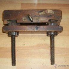 Antiquités: ANTIGUO CEPILLO O GARLOPA DE CARPINTERO. Lote 54846096