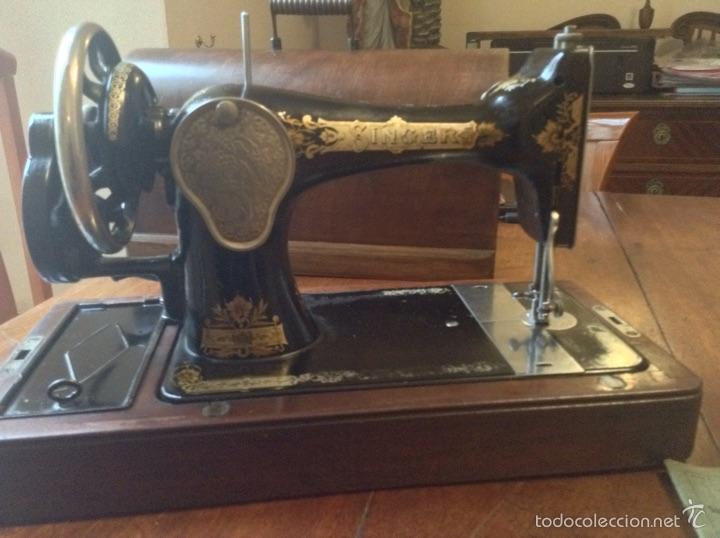 Antigüedades: Maquina de coser Singer 1925, n 28 y regalo - Foto 6 - 54929940