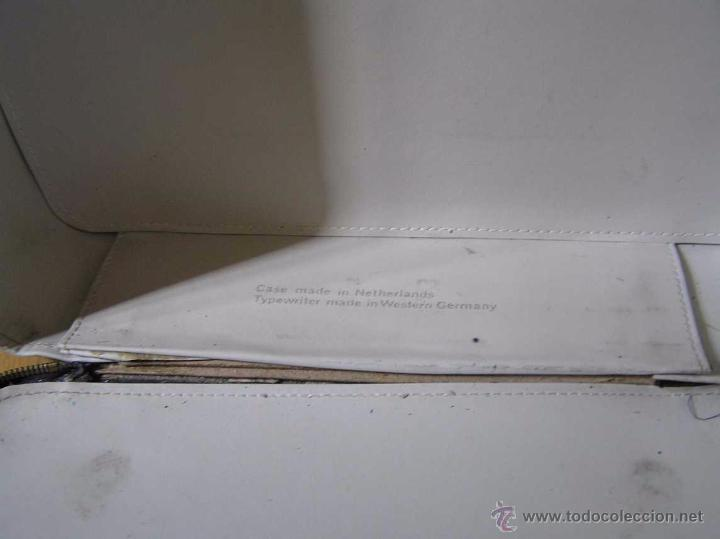 Antigüedades: MAQUINA DE ESCRIBIR OLYMPIA DE LUXE CON MALETIN CON CREMALLERA E INSTRUCCIONES EN INGLES TYPEWRITER - Foto 14 - 54957838