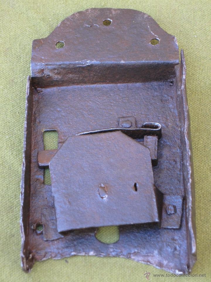 Antigüedades: CERRADURA ANTIGUA EN HIERRO FORJADO - SIGLO XVII - XVIII. - Foto 3 - 54984272