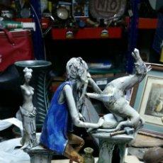 Antigüedades: FIGURA DE PORCELANA SCRICCIOLO ITALIA,FIRMADA T.MORETTO,AÑOS 70 APROX. Lote 55018941