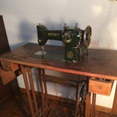 Antigüedades: 1955 - REFREY CON MUEBLE. Lote 55358293
