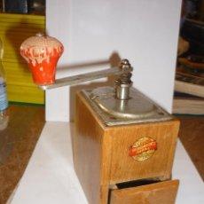 Antigüedades: PRECIOSO MOLINILLO PARA CAFE DE MADERA LEINBROCK´S IDEAL . Lote 55367884