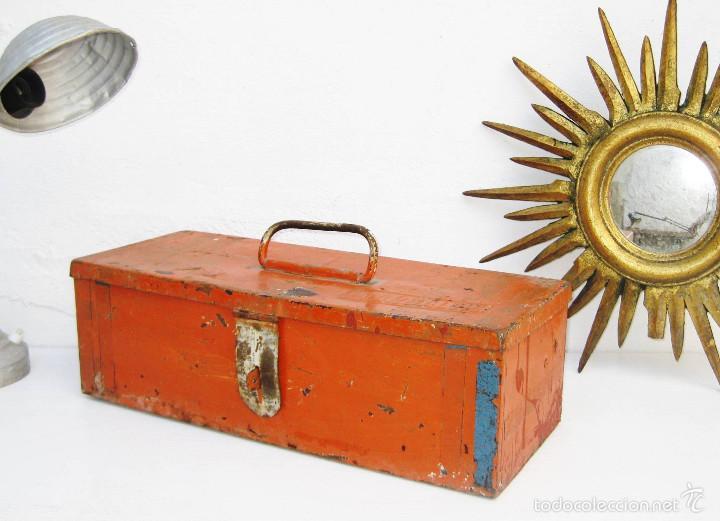 PRECIOSA CAJA DE HERRAMIENTAS ANTIGUA IDEAL USO DECORACION INDUSTRIAL MARGAVIL (Antigüedades - Técnicas - Herramientas Antiguas - Otras profesiones)