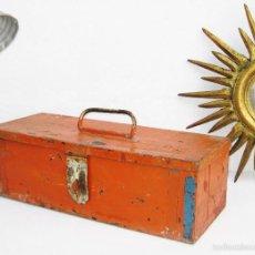 Antigüedades: PRECIOSA CAJA DE HERRAMIENTAS ANTIGUA IDEAL USO DECORACION INDUSTRIAL MARGAVIL. Lote 55371347