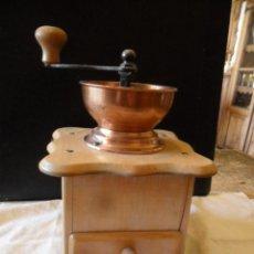 Antigüedades: MOLINILLO DE CAFÉ EN MADERA FUNCIONANDO ANTIGUO. Lote 55383629