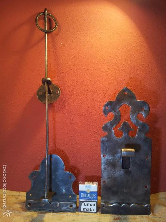 Antigüedades: JUEGO PESTILLO PASADOR CERROJO FORJA MANUAL SIGLO XIX .PARA PUERTA PORTON GRANDES DIMENSIONES - Foto 30 - 55399277