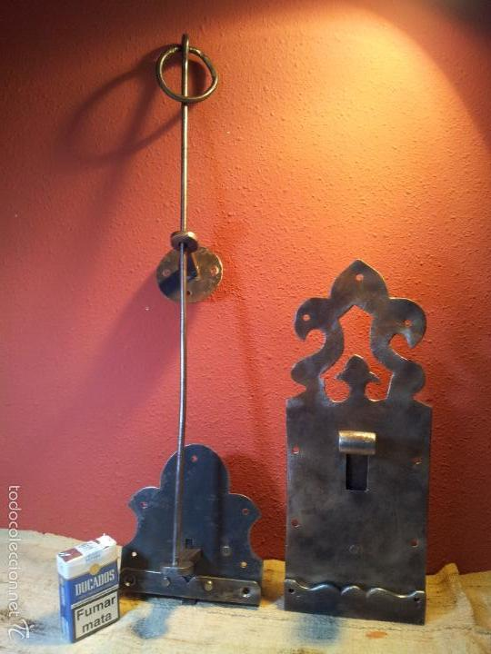Antigüedades: JUEGO PESTILLO PASADOR CERROJO FORJA MANUAL SIGLO XIX .PARA PUERTA PORTON GRANDES DIMENSIONES - Foto 38 - 55399277