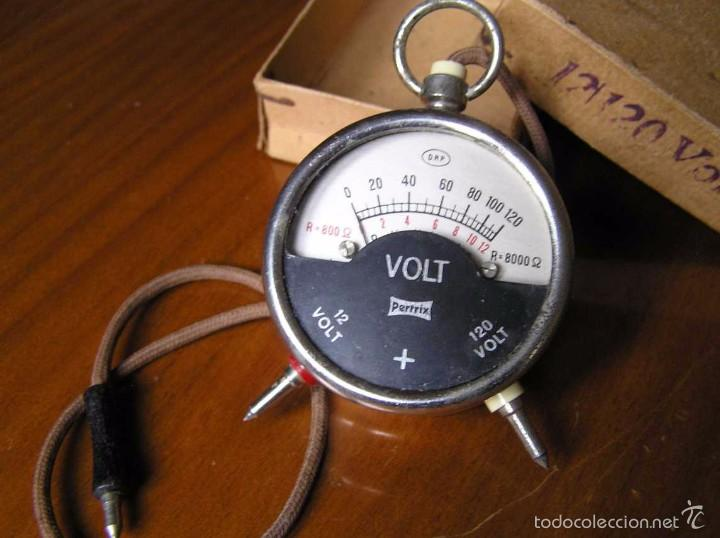 Antigüedades: ANTIGUO VOLTIMETRO DE BOSILLO EN SU CAJA ORIGINAL ANTIQUE POCKET VOLTMETER - Foto 10 - 55818580