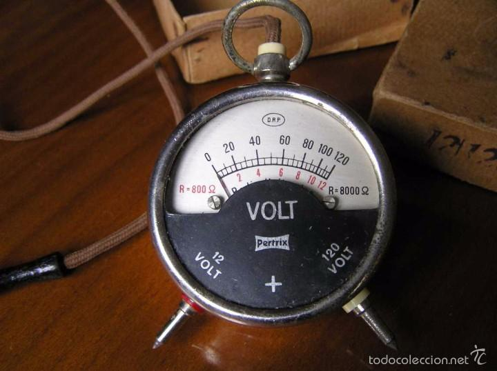 Antigüedades: ANTIGUO VOLTIMETRO DE BOSILLO EN SU CAJA ORIGINAL ANTIQUE POCKET VOLTMETER - Foto 33 - 55818580