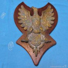 Antigüedades: ESCUDO ANTIGUO, METOPA, AGUILA DE LA MARINA, PESA 7 KILOS. Lote 55998817