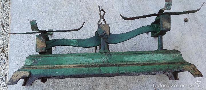 Antigüedades: ANTIGUA BALANZA O BASCULA DE HIERRO 10K. - Foto 3 - 56013771