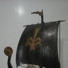 Antiquités: BARCO VIKINGO VELAS DECORATIVO EN METAL. Lote 56082153