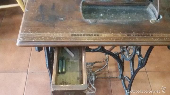 Antigüedades: ANTIGUA JOYA) DE LAS PRIMERAS AÑO 1857 Nº 07058 DE MUSEO FUNCIONANDO SINGER VIOLIN MAQUINA COSER - Foto 6 - 56145751