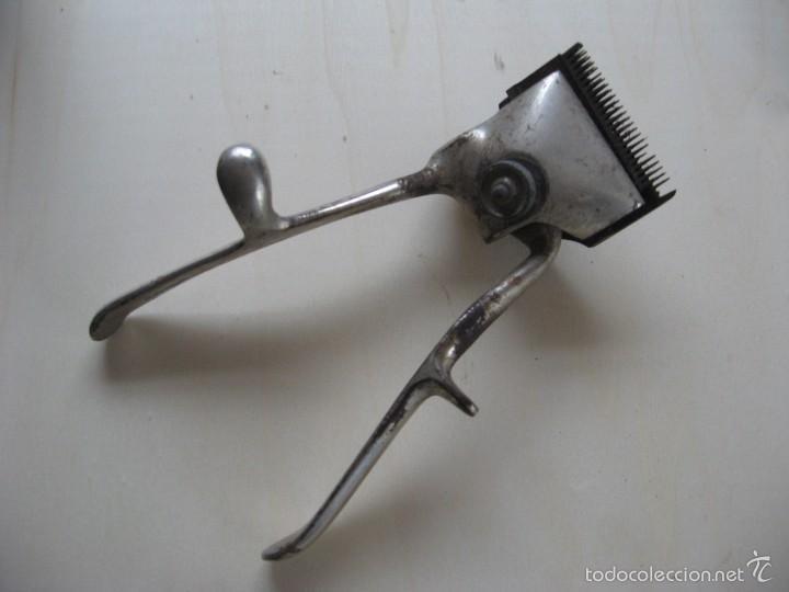 MAQUINA DE PELAR MANUAL (Antigüedades - Técnicas - Barbería - Varios Barbería Antiguas)