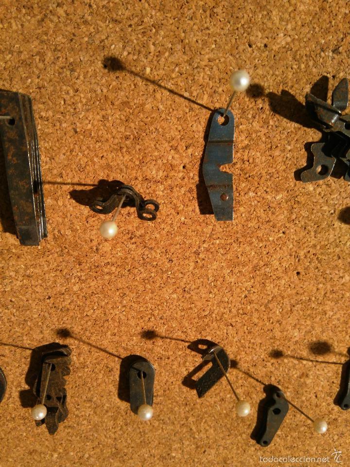 Antigüedades: LOTE DE PIEZAS DE MÁQUINA DE ESCRIBIR UNDERWOOD - LAS QUE SE VEN EN LAS FOTOS - Foto 6 - 211560170