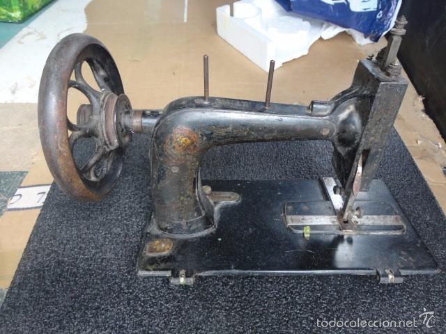 ANTIGUA MÁQUINA DE COSER WERTEIN - SELLO JOSE WERTEIN BARCELONA BASE 33.5X16 CM. ALTURA 25 CM. 24-31 (Antigüedades - Técnicas - Máquinas de Coser Antiguas - Wertheim )