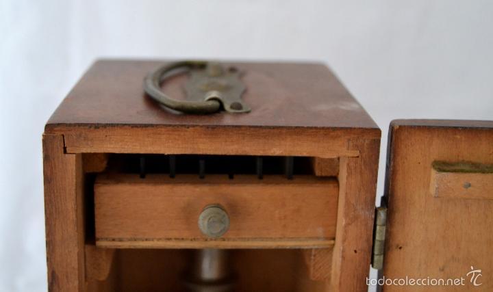 Antigüedades: ANTIGUO MICROSCOPIO INGLES CON CAJA ORIGINAL DE MADERA * CRISTALES - Foto 7 - 56372063