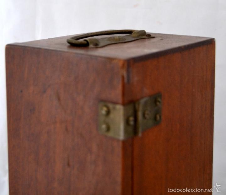Antigüedades: ANTIGUO MICROSCOPIO INGLES CON CAJA ORIGINAL DE MADERA * CRISTALES - Foto 10 - 56372063