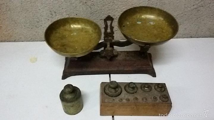 BALANZA BASCULA DE PLATOS Y JUEGO DE PESAS (Antigüedades - Técnicas - Medidas de Peso - Balanzas Antiguas)
