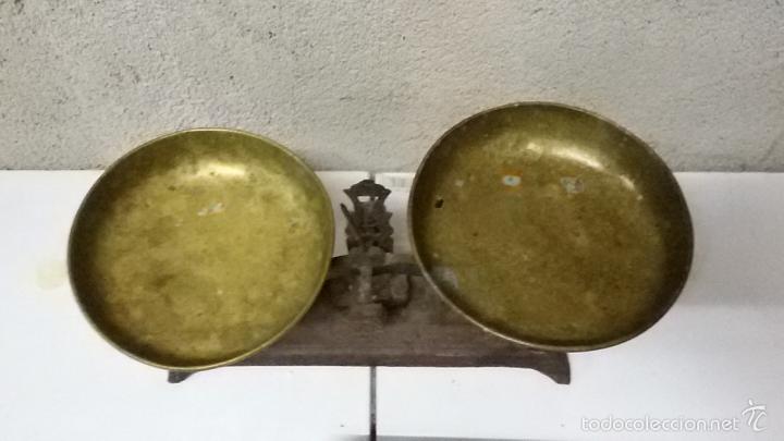 Antigüedades: Balanza bascula de platos y juego de pesas - Foto 3 - 56493714