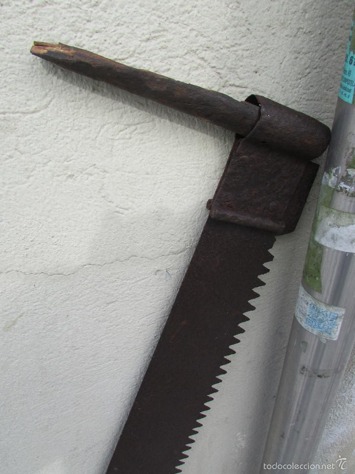 Antigüedades: SIERRA o SERRÓN para TALAR TRONCOS para cuatro manos. Muy larga:1,26 metros - Foto 3 - 56500834
