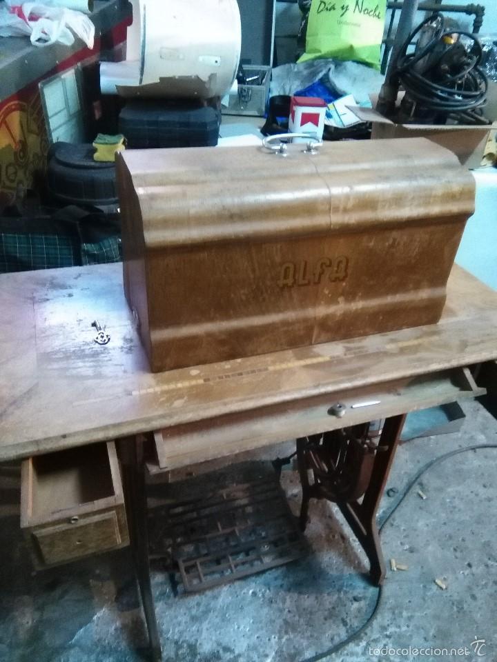 Antigüedades: maquina de coser alfa con pie - Foto 3 - 56538741