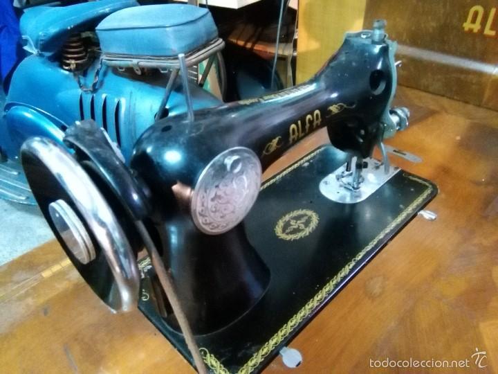Antigüedades: maquina de coser alfa con pie - Foto 4 - 56538741