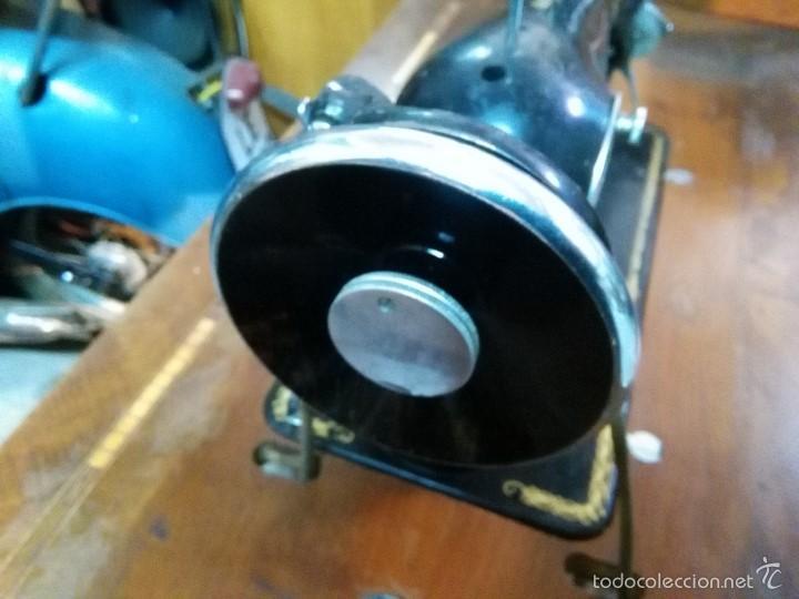 Antigüedades: maquina de coser alfa con pie - Foto 7 - 56538741