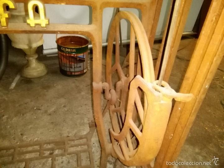 Antigüedades: maquina de coser alfa con pie - Foto 16 - 56538741