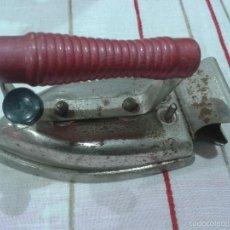 Antigüedades: MUY ANTIGUA PLANCHA ELECTRICA. NO TIENE CABLES. DE LAS PRIMERAS. Lote 56564912