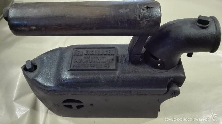 ANTIGUA PLANCHA DE SASTRE DE CARBÓN (Antigüedades - Técnicas - Planchas Antiguas - Carbón)