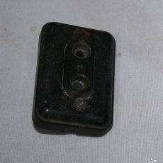 Antigüedades: ANTIGUO ENCHUFE DE BAQUELITA. Lote 56620418