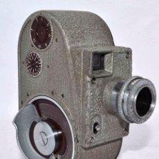 Antigüedades: RAREZA Y BELLEZA..CINE A CUERDA,USA 1939..8MM...BELL&HOWELL 134 CAMERA..MUY BUEN ESTADO..FUNCIONA. Lote 56672458