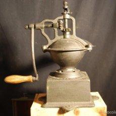 Antigüedades: ESPECTACULAR ANTIGUO MOLINILLO CAFE PEUGEOT 37 CM ALT SIGLO XIX PIEZA MUSEO ORIGINAL 233,0 €. Lote 56675482
