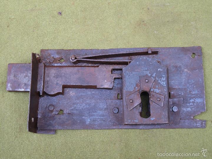Antigüedades: CERRADURA ANTIGUA EN HIERRO FORJADO - SIGLO XVIII-XIX. - Foto 2 - 56692584