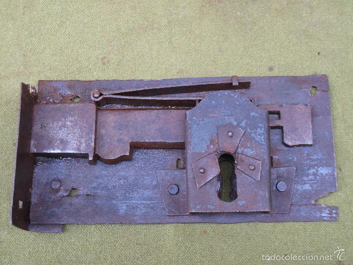 Antigüedades: CERRADURA ANTIGUA EN HIERRO FORJADO - SIGLO XVIII-XIX. - Foto 4 - 56692584